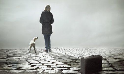 Cada persona que pasa por nuestra vida deja una huella ... dejándonos algo de su ser  y llevándose algo del nuestro