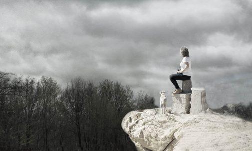 Me gusta escuchar el silencio, que llena el aire de vibraciones y fantasias, mientras me susurra al oido nuevos sueños